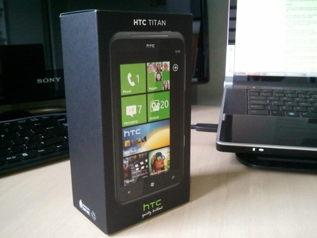 HTC-Titan-Box