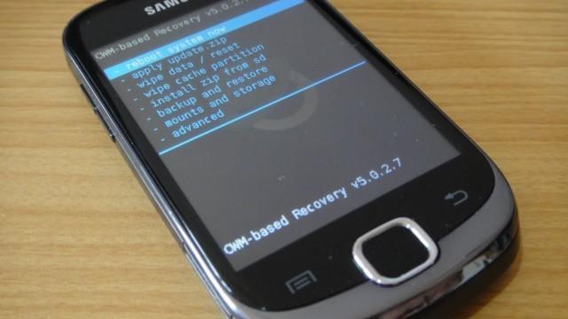 Unofficial CyanogenMod 7.2.0 ROM