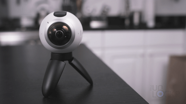 Gear 360 on Edge of Table