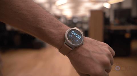 LG Watch Style on Wrist