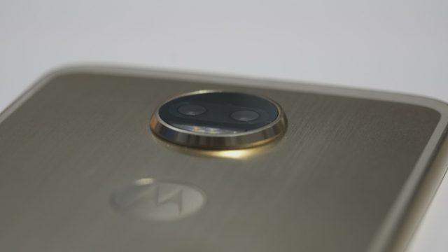 Motorola Moto Z2 Force Camera