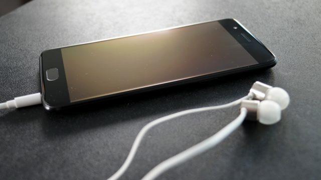 OnePlus 5 Headphones