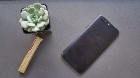 OnePlus 5 on Table