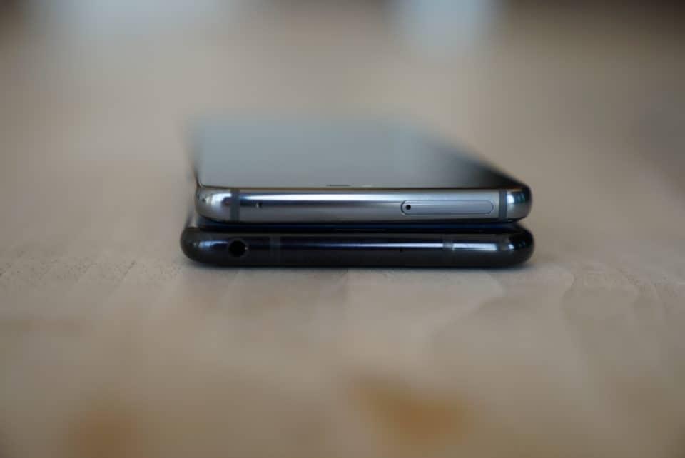 LG V35 vs. LG G7 Top